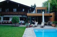 プールつきの庭