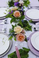 バラとテーブルセット