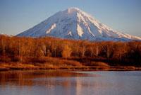 Avachinskij Volcano,9035 feet,near Petropavlovsk. Kamcha 22001000542| 写真素材・ストックフォト・画像・イラスト素材|アマナイメージズ