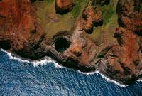 NaPali Coast aerial along rugged cliffs 22157007752  写真素材・ストックフォト・画像・イラスト素材 アマナイメージズ