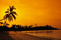 Beach at sunset 22157009505  写真素材・ストックフォト・画像・イラスト素材 アマナイメージズ