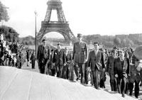 パリ解放 22177002978  写真素材・ストックフォト・画像・イラスト素材 アマナイメージズ