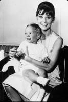Audrey Hepburn 22189000017| 写真素材・ストックフォト・画像・イラスト素材|アマナイメージズ