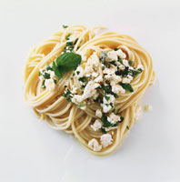 Spaghetti with sheep�fs cheese and herbs