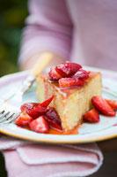 orange cake with strawberry