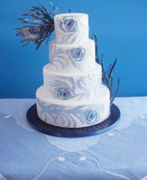 Wedding cake with artificial feathers