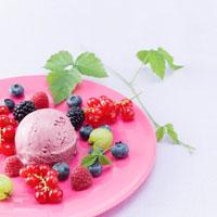 Berry mascarpone ice cream