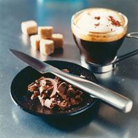 Grated chocolate with espresso 22199025021  写真素材・ストックフォト・画像・イラスト素材 アマナイメージズ