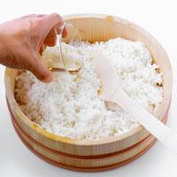 Making sushi rice (adding vinegar)