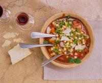 Minestrone with peas, pasta and Parmesan 22199035459| 写真素材・ストックフォト・画像・イラスト素材|アマナイメージズ