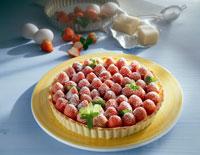 Strawberry tart with marzipan 22199035601  写真素材・ストックフォト・画像・イラスト素材 アマナイメージズ