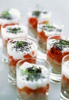 Layered ceviche, tomato compote etc 22199036538| 写真素材・ストックフォト・画像・イラスト素材|アマナイメージズ