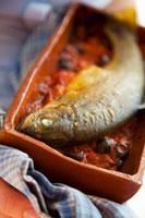 Trout with tomato sauce 22199036913| 写真素材・ストックフォト・画像・イラスト素材|アマナイメージズ