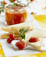 Rose hip jam with bread