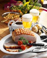 Roast pork with crackling 22199037198| 写真素材・ストックフォト・画像・イラスト素材|アマナイメージズ
