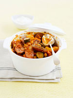 Date and sausage stew 22199038594| 写真素材・ストックフォト・画像・イラスト素材|アマナイメージズ