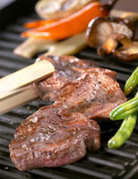 Grilled beef fillet and vegetables