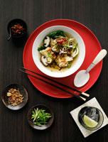 Wonton soup with vegetables & mushrooms 22199039628| 写真素材・ストックフォト・画像・イラスト素材|アマナイメージズ