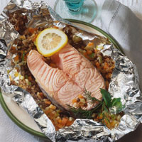 Salmon cutlet with vegetables baked