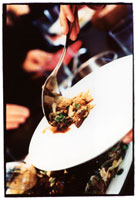 Cabbage chiffonade with poultry liver 22199040804| 写真素材・ストックフォト・画像・イラスト素材|アマナイメージズ