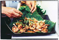 Fried prawns with ginger and pepper