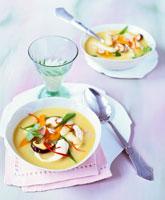 Asian sweet potato and asparagus soup 22199045165| 写真素材・ストックフォト・画像・イラスト素材|アマナイメージズ