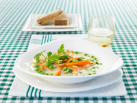 Pea soup with carrot sticks
