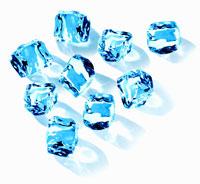 Ice cubes 22199045455| 写真素材・ストックフォト・画像・イラスト素材|アマナイメージズ