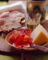 Ham & cheese,Schuettelbrot (crisp Tyrolean bread) & wine i