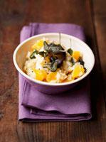 Pumpkin risotto with deep-fried sage 22199056562  写真素材・ストックフォト・画像・イラスト素材 アマナイメージズ