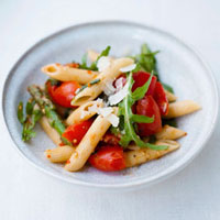 Penne with tomatoes,green beans,rocket and Parmesan