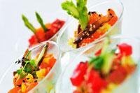 Tuna and salmon cocktails in stemmed glasses 22199056640| 写真素材・ストックフォト・画像・イラスト素材|アマナイメージズ