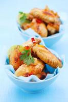 Chicken wings with soy sauce,chilli,garlic and coriander 22199056677  写真素材・ストックフォト・画像・イラスト素材 アマナイメージズ