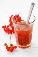 Rowanberry jam in glass 22199056725  写真素材・ストックフォト・画像・イラスト素材 アマナイメージズ