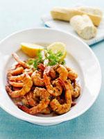 Garlic prawns with dill and lemon 22199056845  写真素材・ストックフォト・画像・イラスト素材 アマナイメージズ