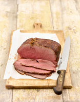 Roast beef,partly carved 22199057322| 写真素材・ストックフォト・画像・イラスト素材|アマナイメージズ