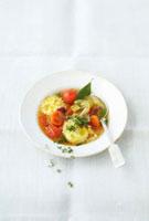 Mediterranean vegetable soup with ricotta ravioli 22199057358| 写真素材・ストックフォト・画像・イラスト素材|アマナイメージズ