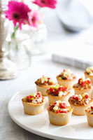 Mexican Style Pastry Cup Hors d'Oeuvres 22199057526| 写真素材・ストックフォト・画像・イラスト素材|アマナイメージズ