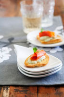 Salmon Bruschetta Appetizer 22199057533| 写真素材・ストックフォト・画像・イラスト素材|アマナイメージズ