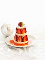 Tower of shortcake,vanilla cream and strawberries