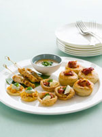 Warm finger food with dip