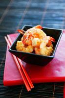 Honey and sesame prawns (China)