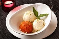 Gajar halwa (Carrot dessert and vanilla ice cream�CIndia)
