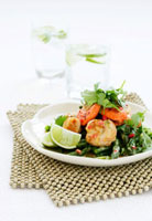 Green asparagus with scallops and fresh coriander
