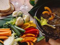 Bagna cauda (hot garlic and anchovy sauce,Italy) 22199061687  写真素材・ストックフォト・画像・イラスト素材 アマナイメージズ