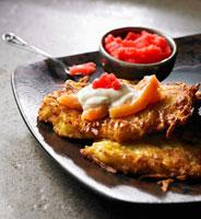 Potato roesti with salmon,sour cream and red caviar