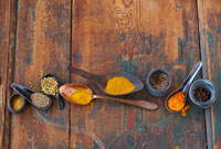 Spices and curry mixtures