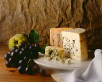 Blue cheese with fruit