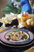 Stuffed roast pork with dried fruits for Christmas 22199063947| 写真素材・ストックフォト・画像・イラスト素材|アマナイメージズ