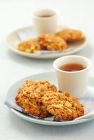 Oat cakes with apples for tea 22199064791| 写真素材・ストックフォト・画像・イラスト素材|アマナイメージズ